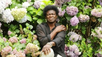 Charles Bradley bløder stadig
