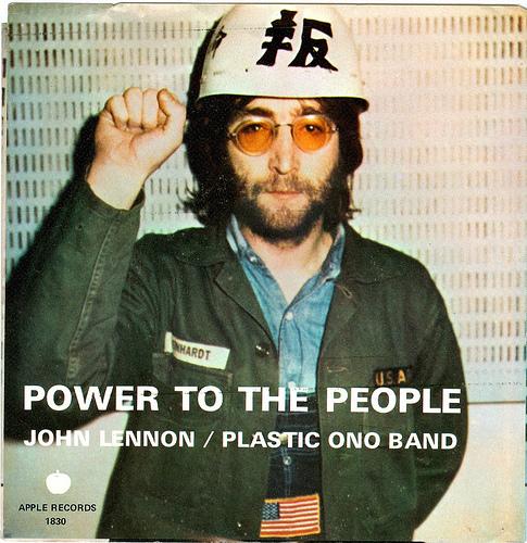 Power to the people fylder 40 midt i en beattid